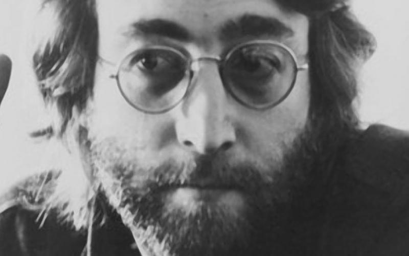 32 años sin John